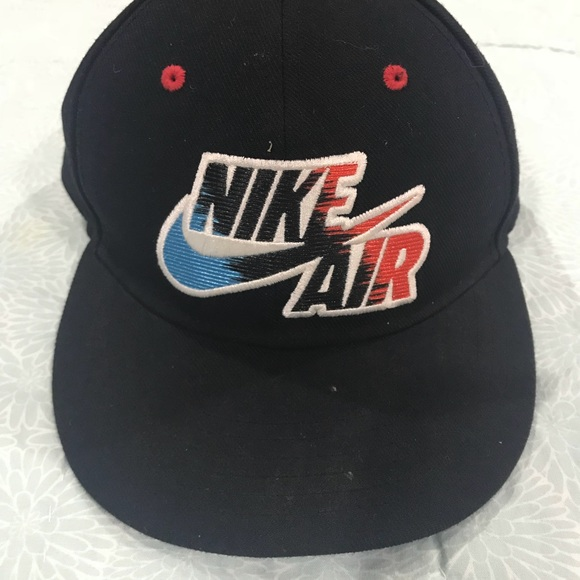38b4d4e7ca9 Nike true SnapBack cap youth OS. M 5b0dfa50a825a6c5782f8a03